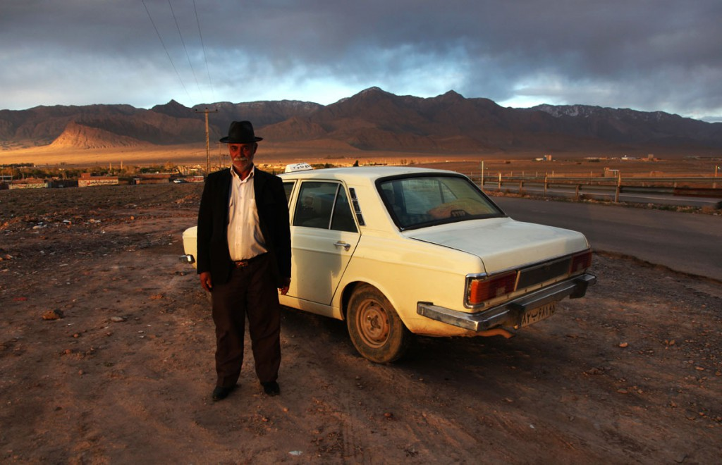 Taxi driver close to Kerman: this man totally reminds me of Armin Müller-Stahl. He offered me Halva and cigarettes and took two Euros too much for this ride – it's worth this souvenir picture.