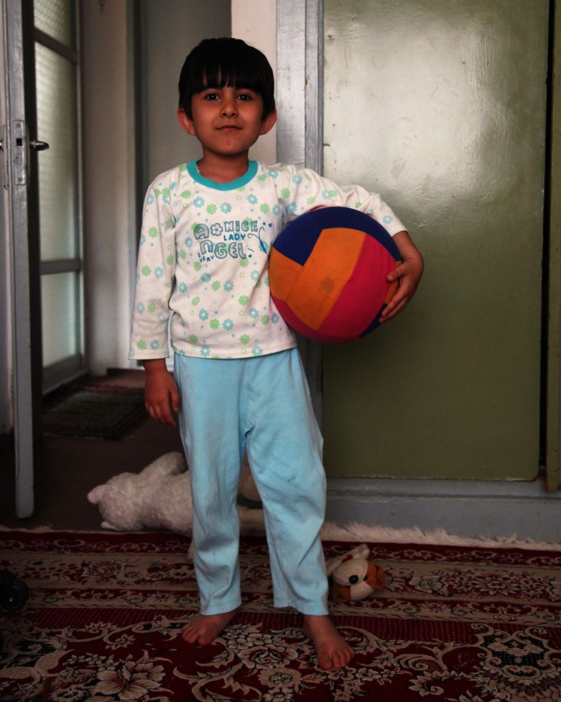 Ready for a ball game: anyone who visits Iranians at home will experience unforgettable insights into everyday life.