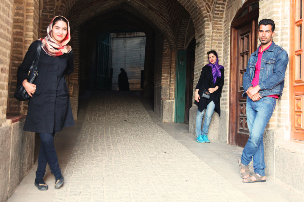 Young Iranians: 60 percent of the locals are under 30 – many wish they had more freedom in their day-to-day life.
